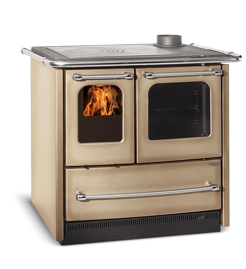 cucina a legna con forno nordica extraflame sovrana easy