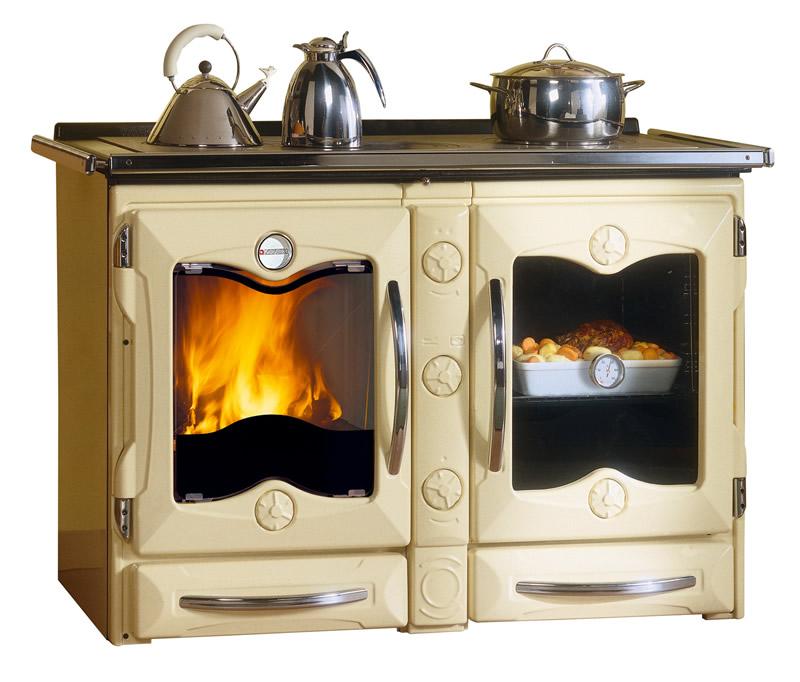 Cucina a legna con forno nordica extraflame america crema - Cucina a legna nordica milly ...