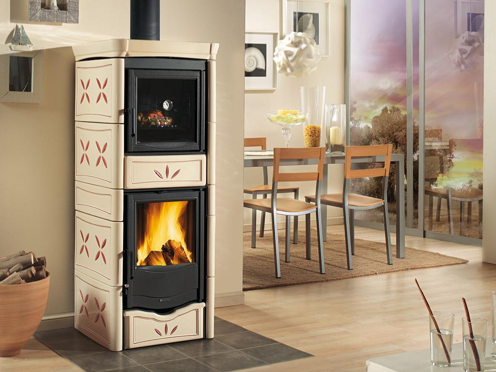 Stufa a legna con forno la nordica extraflame nicoletta - Stufa a legna la nordica ...