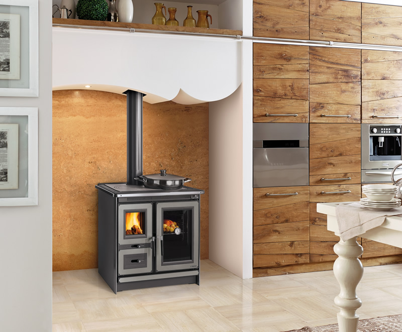Cucina a legna con forno Nordica Extraflame Italy magnolia - Pramar Casa